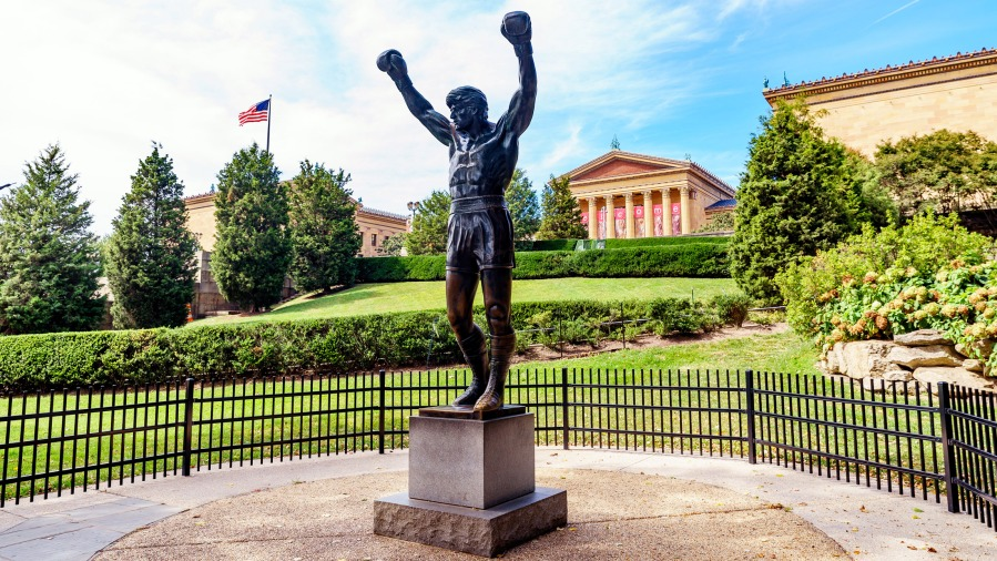 Rocky_Statue